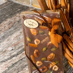 Tablette de mendiant chocolat au lait l'origine chocolaterie artisanale